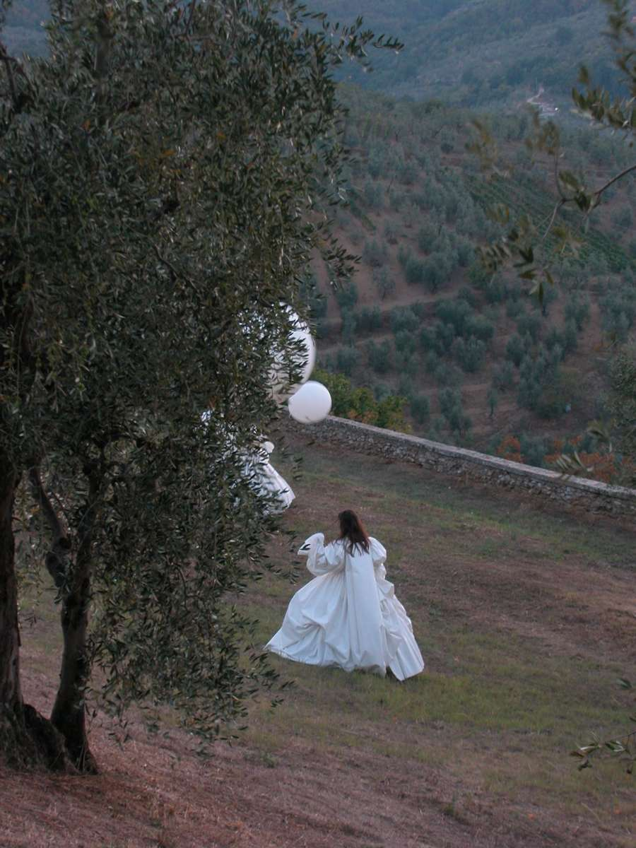 Performance poetry on the theme of waiting and absence, Carmignano, Italy